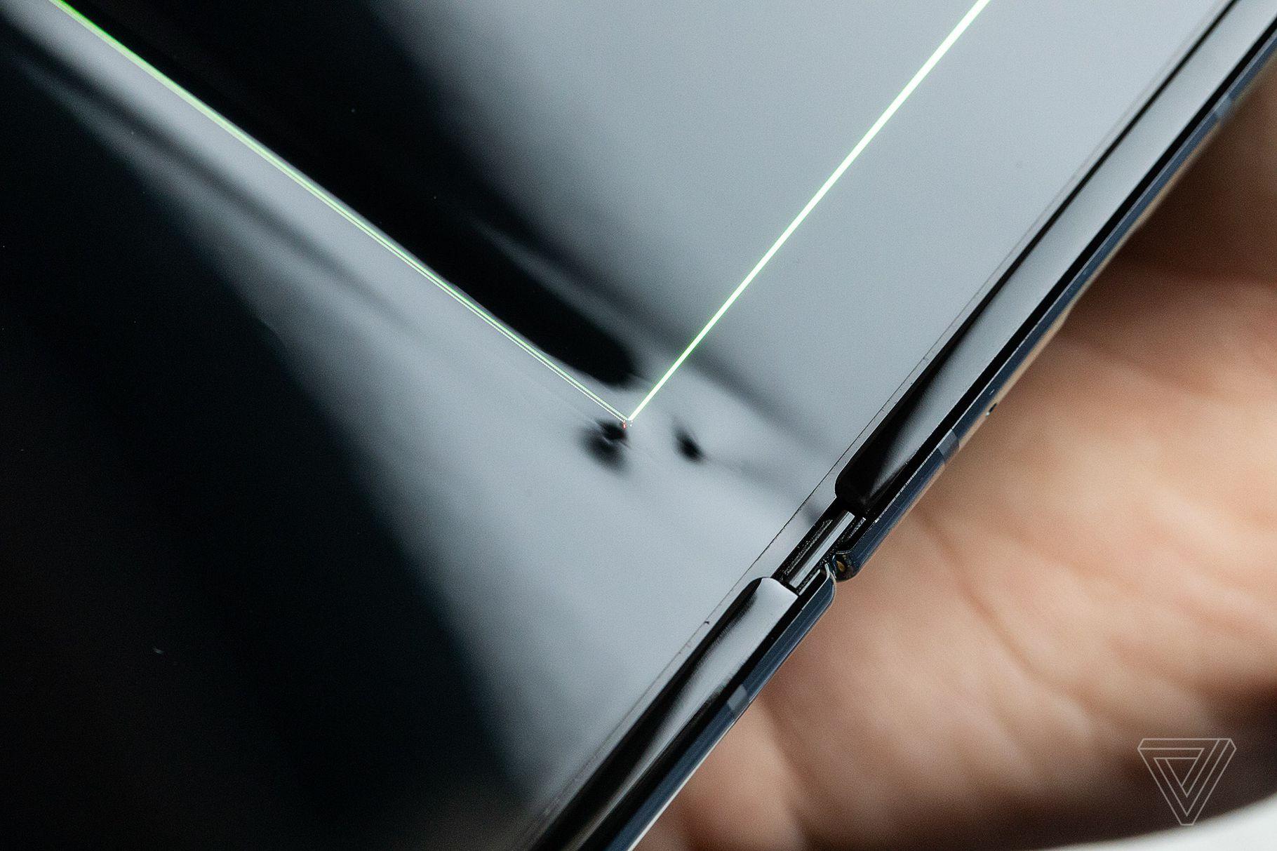 Samsung clarifies that Galaxy Fold Issue