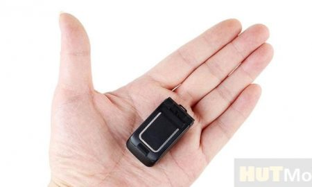 LONG-CZ J9 a miniature clamshell phone weighing 18.5 g for 22
