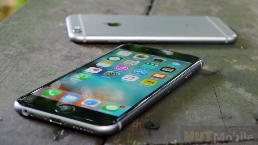 Which smartphones lose value faster Android or iPhone