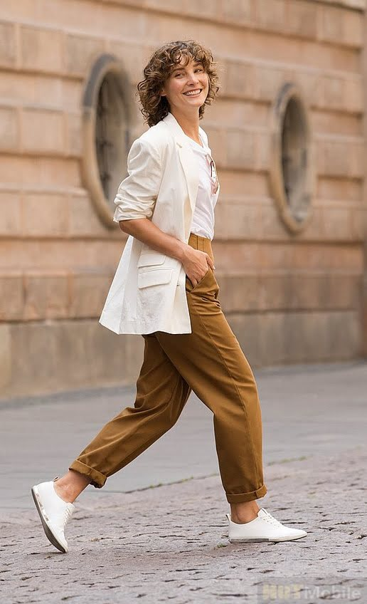what such DOWNTIME DRESSING AND WHY IS THIS TREND GAINING MOMENTUM