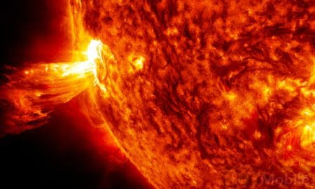 NASA will study huge solar storms CubeSat system which is the size of a mini-oven will put the Sun under the spotlight