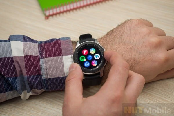 Generation of Samsung galaxy watch: Samsung Watch's new generation of exposed physical rotating bezel returns longer battery life